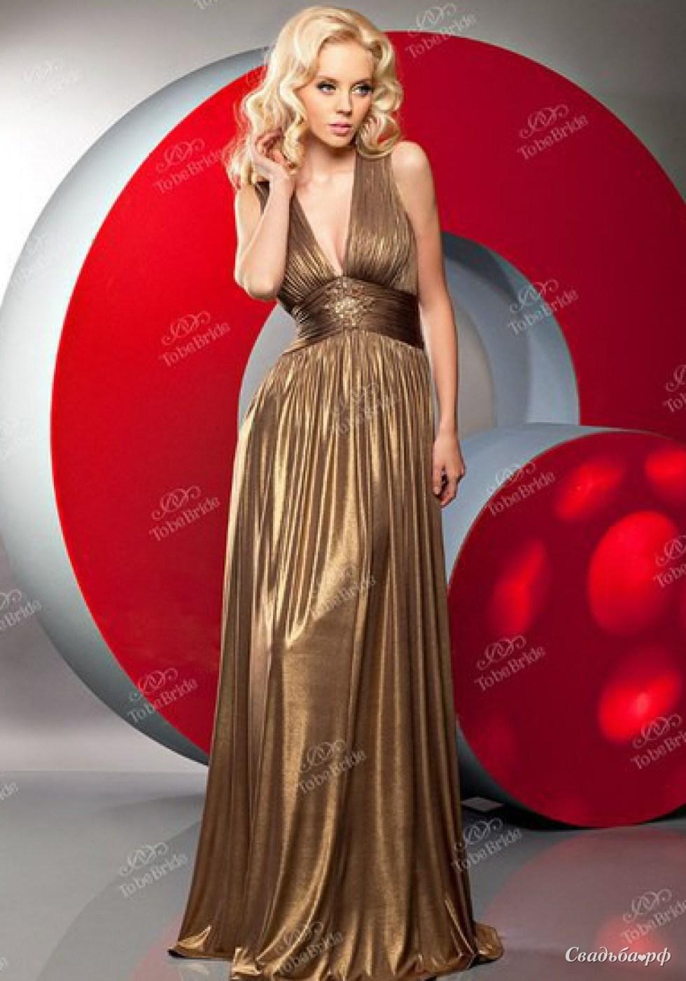 платье золотистого цвета фото